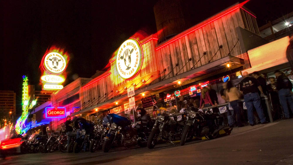 Hogs and Heifers Saloon_0020