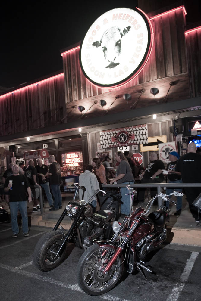 Hogs and Heifers Saloon_0029