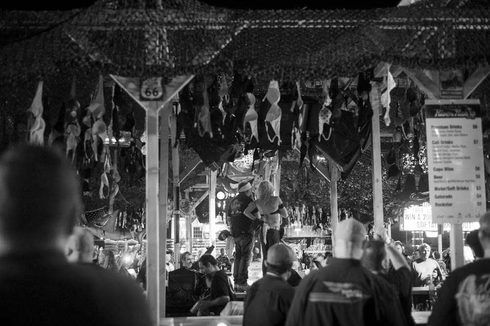 Hogs and Heifers Saloon_0094