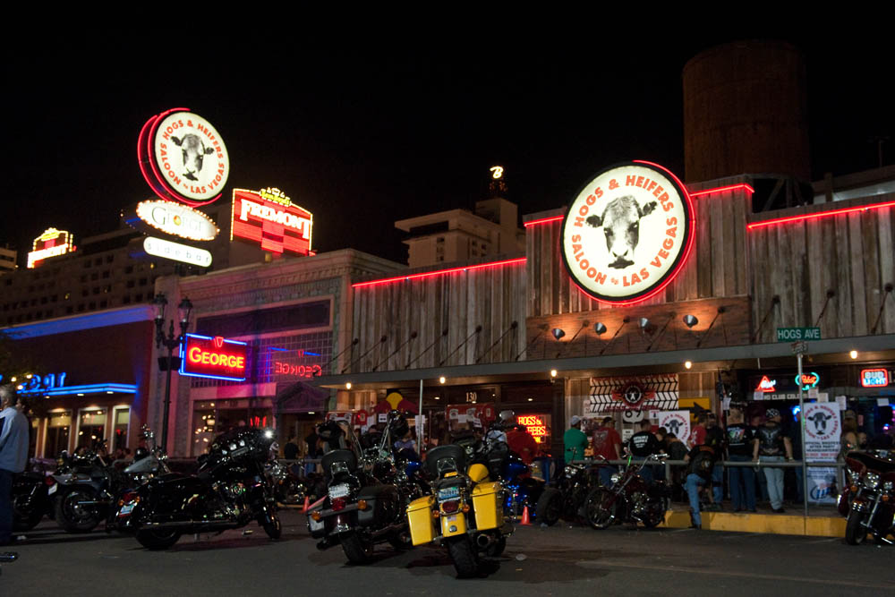 Hogs and Heifers Saloon_0170